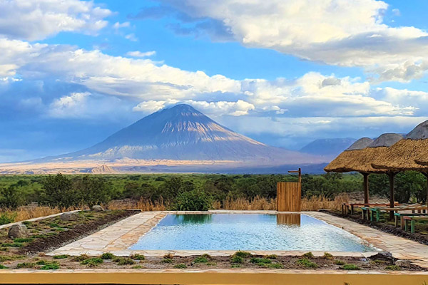 lake-natron-slider-home
